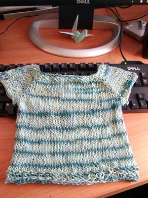 http://midnightknitter.com/blog/wp-content/uploads/2006/06/bamboo-toddler-top1.jpg