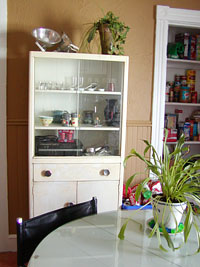 apt-kitchen.jpg