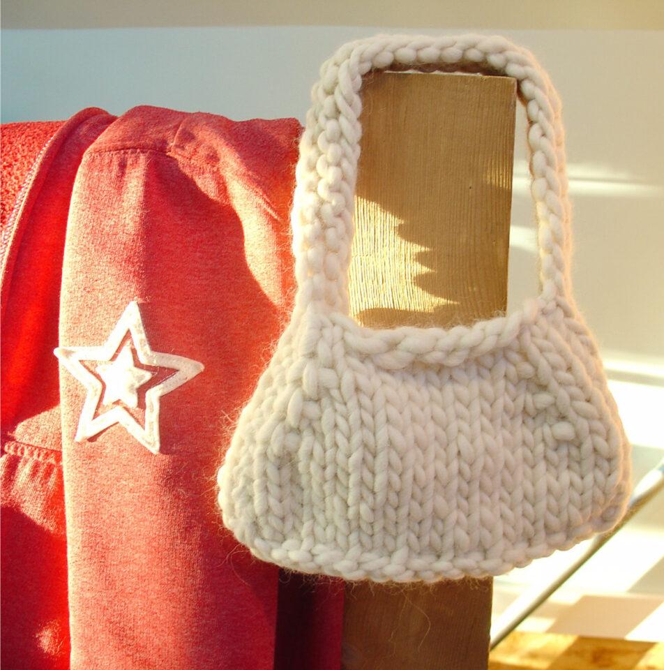 knit bulky purse