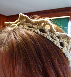 http://midnightknitter.com/blog/wp-content/uploads/crown4.jpg
